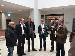 Gruppe in Diskussion